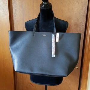 VICTORIA'S SECRET large tote NEW WITH TAG